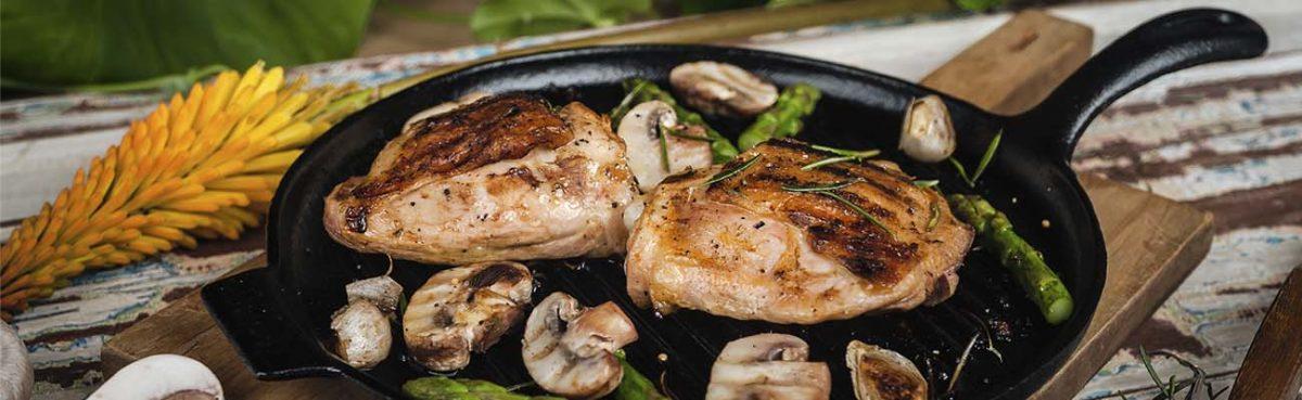 Pollo con champinion al rometo setas de curva