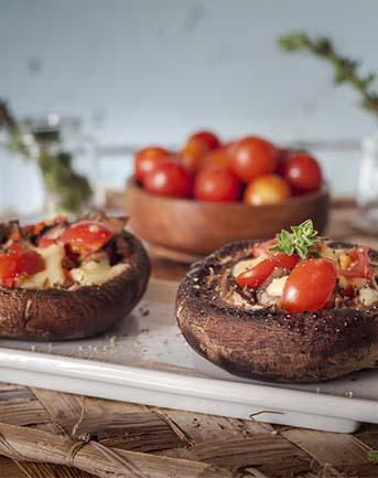 Portabello al pesto de tomate setas de curva