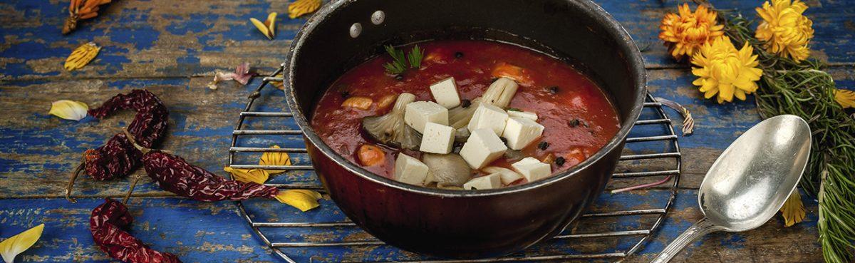 Sopa de tomate y oyster setas de curva